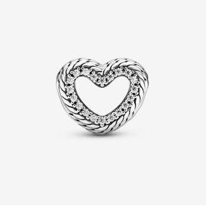 NWT Pandora Snake chain Pattern Open Heart Charm